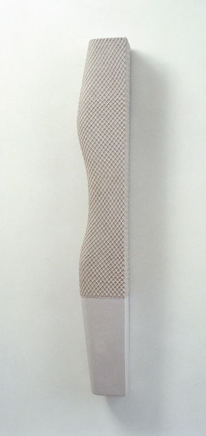 2003, 4 feet high and rising, 128 x 15,5 x 10 cm